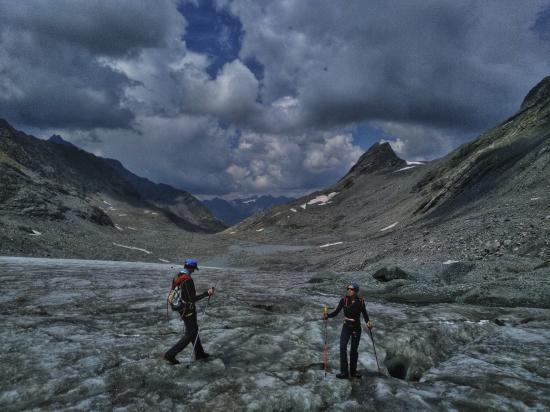 descente sur le glacier sauvage du Baounet...