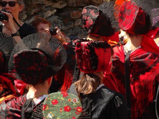 La fête du 15 Août et ses costumes traditionnels